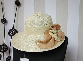 Chapeau de paille brun sable-marron clair