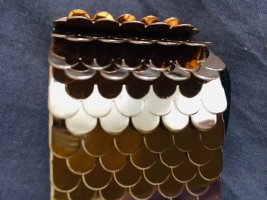 Cinturón pélvico marrón arena-color oro metal