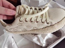 Neu guess sneakers