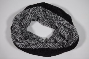 Guess Knitted Scarf black-light grey polyacrylic