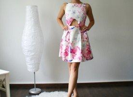 NEU! Hochgeschlossenes Cut Out Kleid