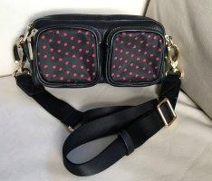 NEU ! kleine Tasche Bauchtasche Crossbody Tasche Leder(imitat) schwarz Herzchen rot gold