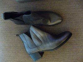 NEU Lazamani  Stiefelette Chelsea Boots silber Gr. 40