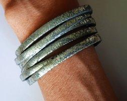 Bracelet en cuir argenté-gris cuir