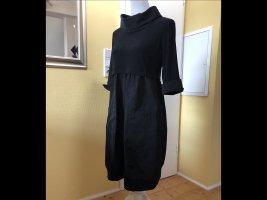 Neu mit Etikett: ausgefallenes Kleid von Joseph Ribkoff aus der AKTUELLEN Kollektion 2021, hier um 50% reduziert!