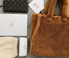 Neu mit Etikett- NP 190 Euro: Tote, Handtasche, Schultertasche, Teddy, faux fur, Stand Studio