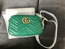 Neu mit Etikett: ✨✨Original Gucci Marmont Handtasche, Umhängetasche, smaragdgrün