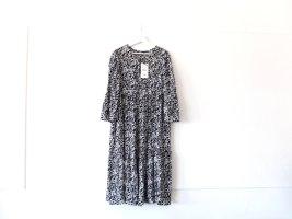 Neu mit Etikett Zara Kleid Midikleid Gr. L 40 schwarz weiß gemustert Blumenmuster Trompetenärmel