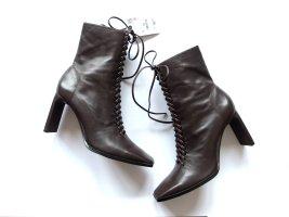 Neu mit Etikett Zara Stiefeletten Gr. 39 braun Leder Schnürung ankle boots