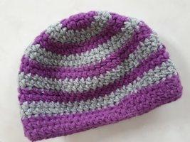 Bonnet en crochet gris-lilas