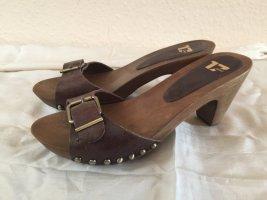 Sandalias con tacón marrón oscuro Cuero