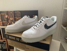 *NEU* Nike Air Force 1 07 SE