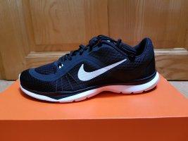 NEU Nike Flex Trainer 6 - Gr. 39