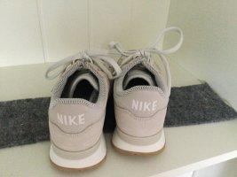 Neu Nike Sneakers Größe 36,5