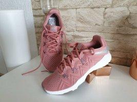 Neu Nike Sport Schuhe 36,5