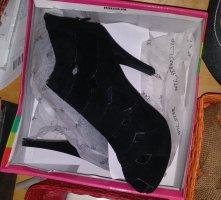 NEU Schwarze High Heels