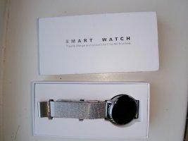 Keine Marke Montre avec bracelet métallique argenté-gris clair