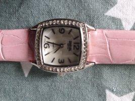 Neue Armbanduhr