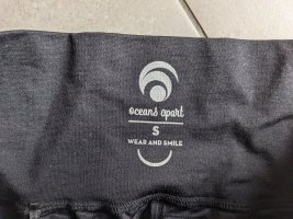 oceans apart Trackies black