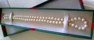 Collana di perle bianco sporco
