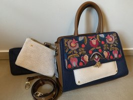 Neue Handtasche mit Zubehör