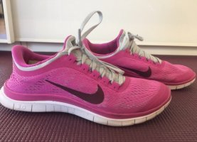 Neue Nike Sportschuhe Größe 38.5