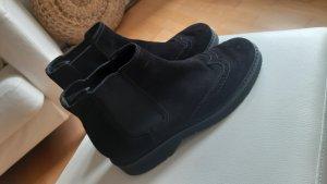 NEUE Prada Stiefelette aus schwarzem wildem Leder