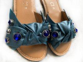 Neue Sandalen, Pantoletten, Leder, blau mit Schmucksteinen, Gr. 38