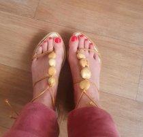 Erik Shoes Sandales à talons hauts et lanière crème-beige clair