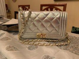 Neue silberne Tasche zum umhängen, Leder, made in Italy