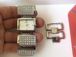 Neue ungetragene Uhr in Silber von der Marke Fossil !