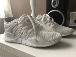 neue weiße Nike sneaker