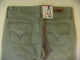 NEUE, wunderschöne Five Pocket BERMUDA von LEVIS..superselten, vintage..Hüfthose..olivfarben..Größe W28, DE 36