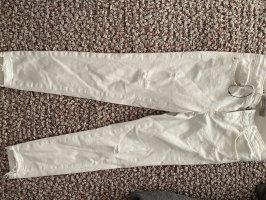 Neue ZARA Jeans in weiß Größe 34