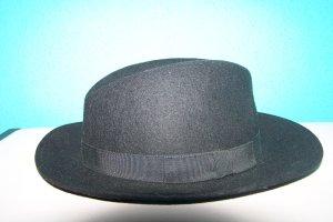 Cappello in feltro nero