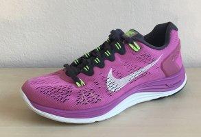 neuer Nike Laufschuh