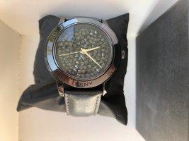 Neuwertige DKNY Uhr in schwarz mit Lederarmband !