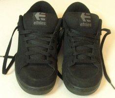"Neuwertige, megacoole Skaterschuhe/Sneaker/Sportschuhe von ETNIES ""KINGPIN"" in Schwarz, Größe DE 41, UK 7"