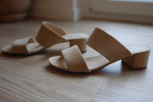 Esprit High-Heeled Toe-Post Sandals beige suede