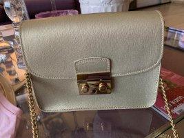Neuwertige Tasche in einem matten Goldton Leder, made in Italy