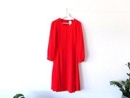 Neuwertiges Max Mara Kleid Gr. 40 rot Plissee