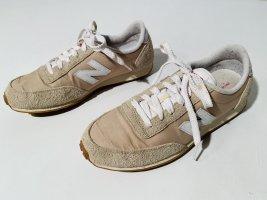 New Balance Sneaker Gr.41 in Creme und Beige