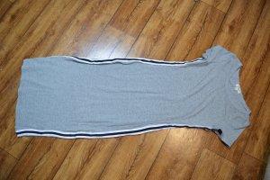 Niedliches T-Shirt Midikleidchen 38 von Heart & Hips