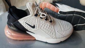 Nike Air 270 Sportschuhe Gr. 40,5 weiss schwarz