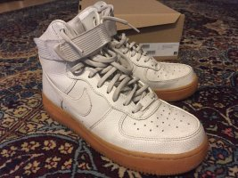 Nike Air Force 1 07 Mid Trainers Light Bone mit Gumsole 38,5 UK 5