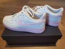 """,,Nike Air force"""""""