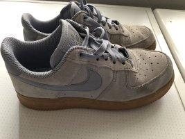 Nike Air Force AF1 hellblau Veloursleder Gr. 37,5
