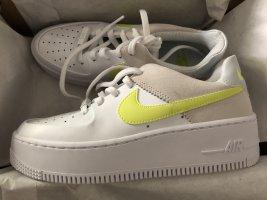 Nike Air Force AF1 Low sneaker sage Plateau Platform gelb Blogger 36