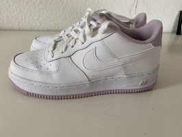 Nike Air Force in rosa