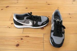 Nike Air Größe 44,5